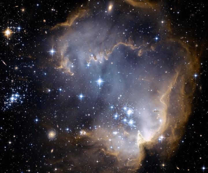 NGC 602 y más allá