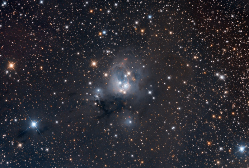 ケフェウス座の散光星雲NGC7129