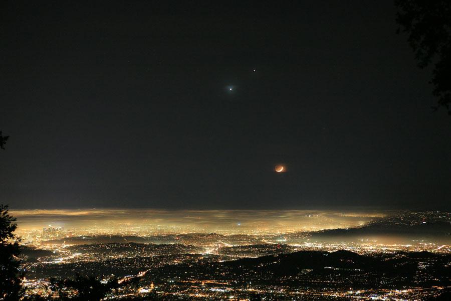 Un cielo feliz sobre Los Angeles