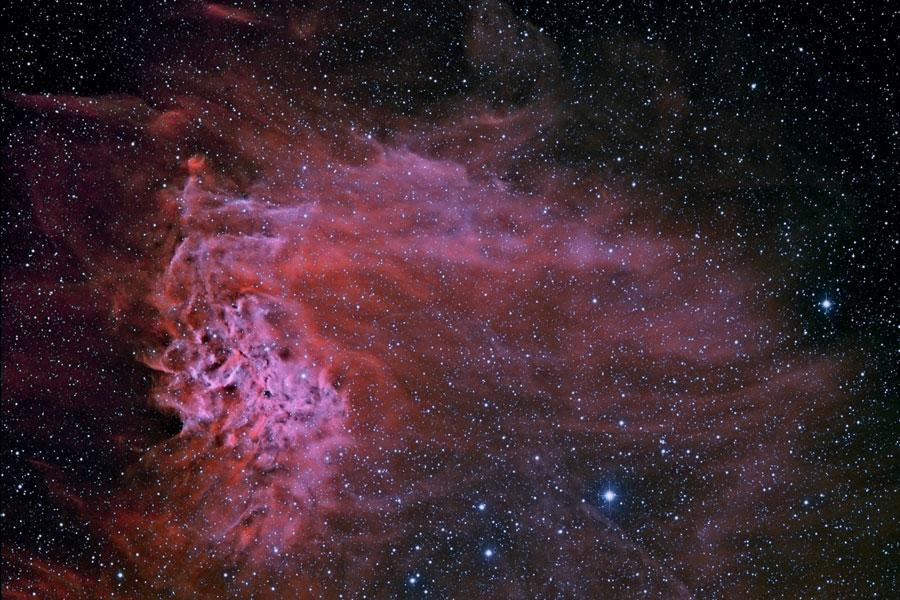 AE Aurigae y la nebulosa de la Estrella Flameante