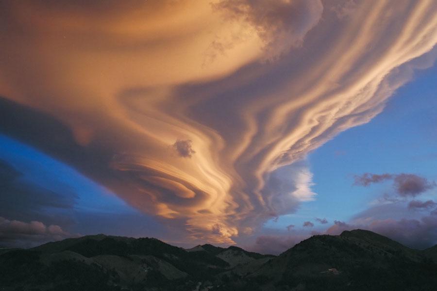 Una nube lenticular sobre Nueva Zelanda