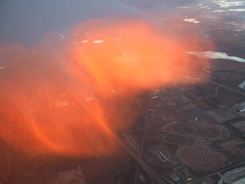 Raro resplandor rojizo sobre Minesota