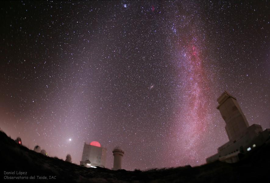 Luz zodiacal versus Vía Láctea