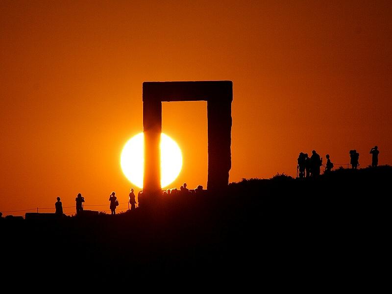 Puesta de Sol en la Portara