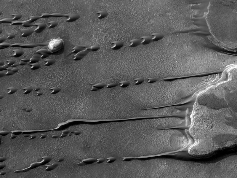 Dunas de arena Barchan en Marte
