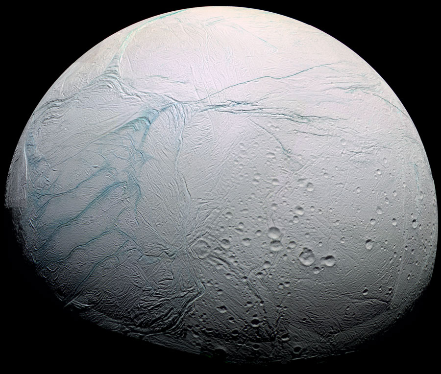 Frescas Grietas Tigre en Encelado de Saturno