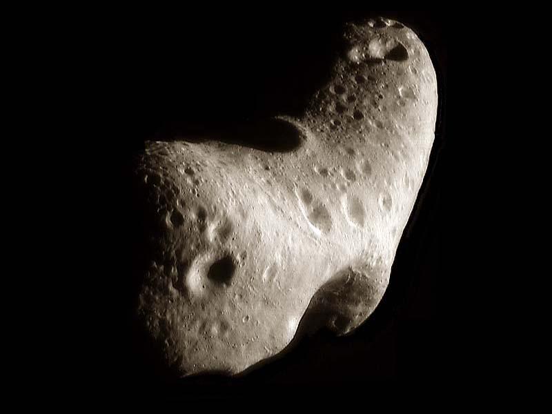 El asteroide Eros reconstruido
