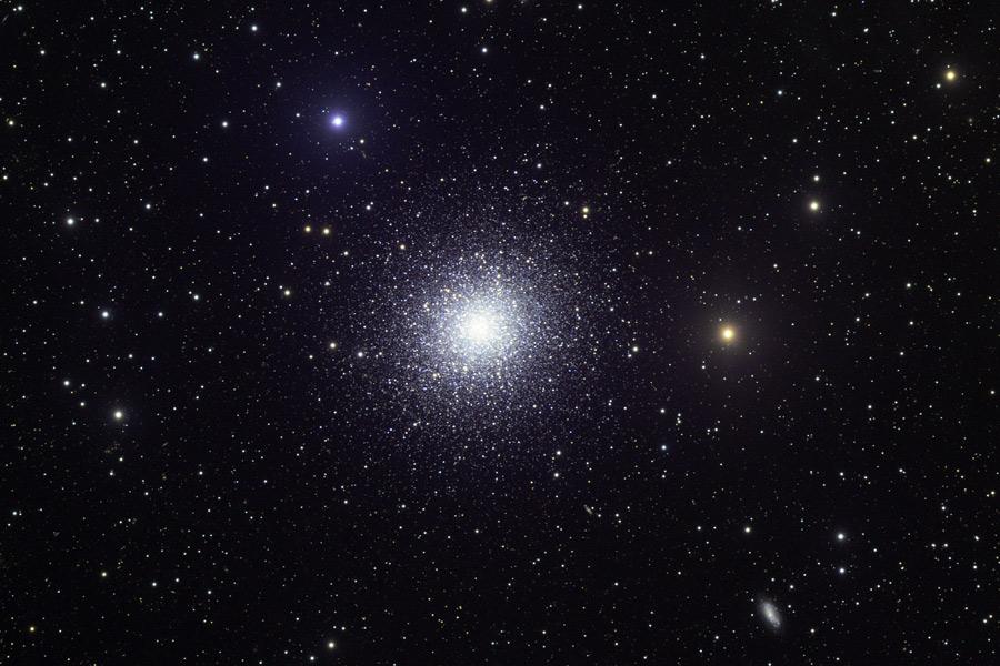 M13: Un gran cúmulo globular de estrellas