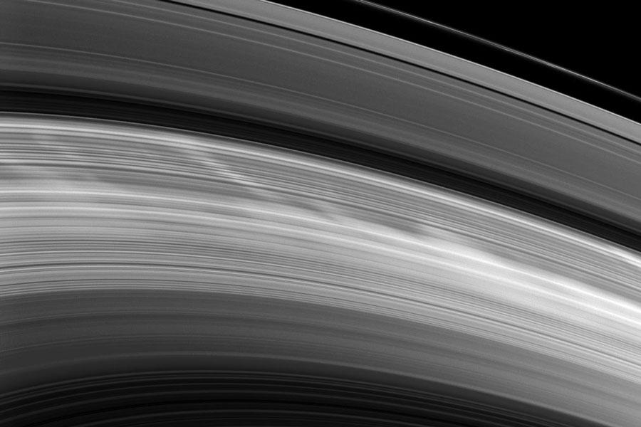 Reaparecen los radios en los anillos de Saturno