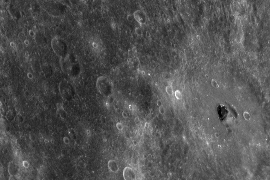 Oscuro material desconocido en Mercurio