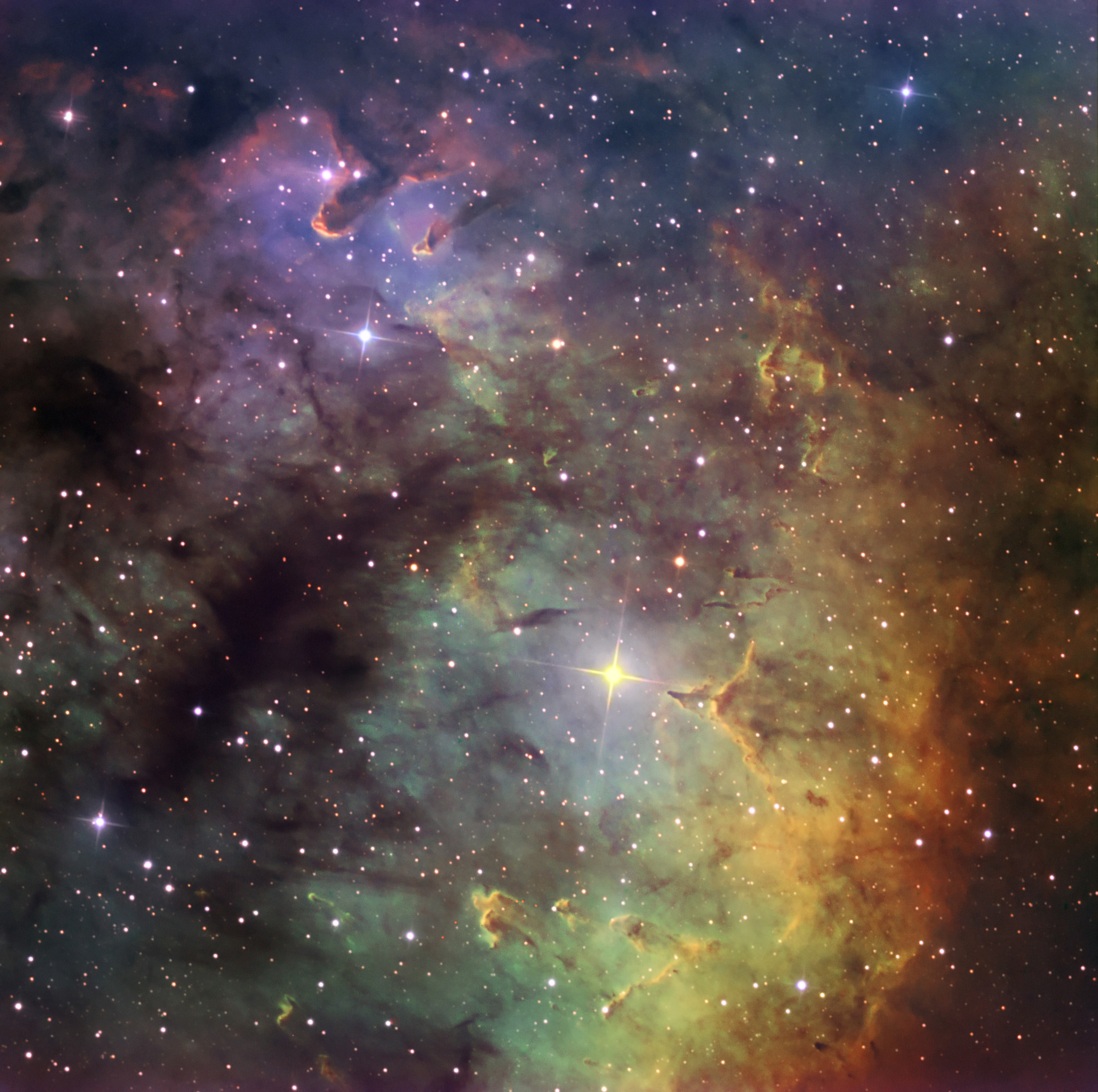 VLT Looks at Incredibly Beautiful Planetary Nebula: NGC