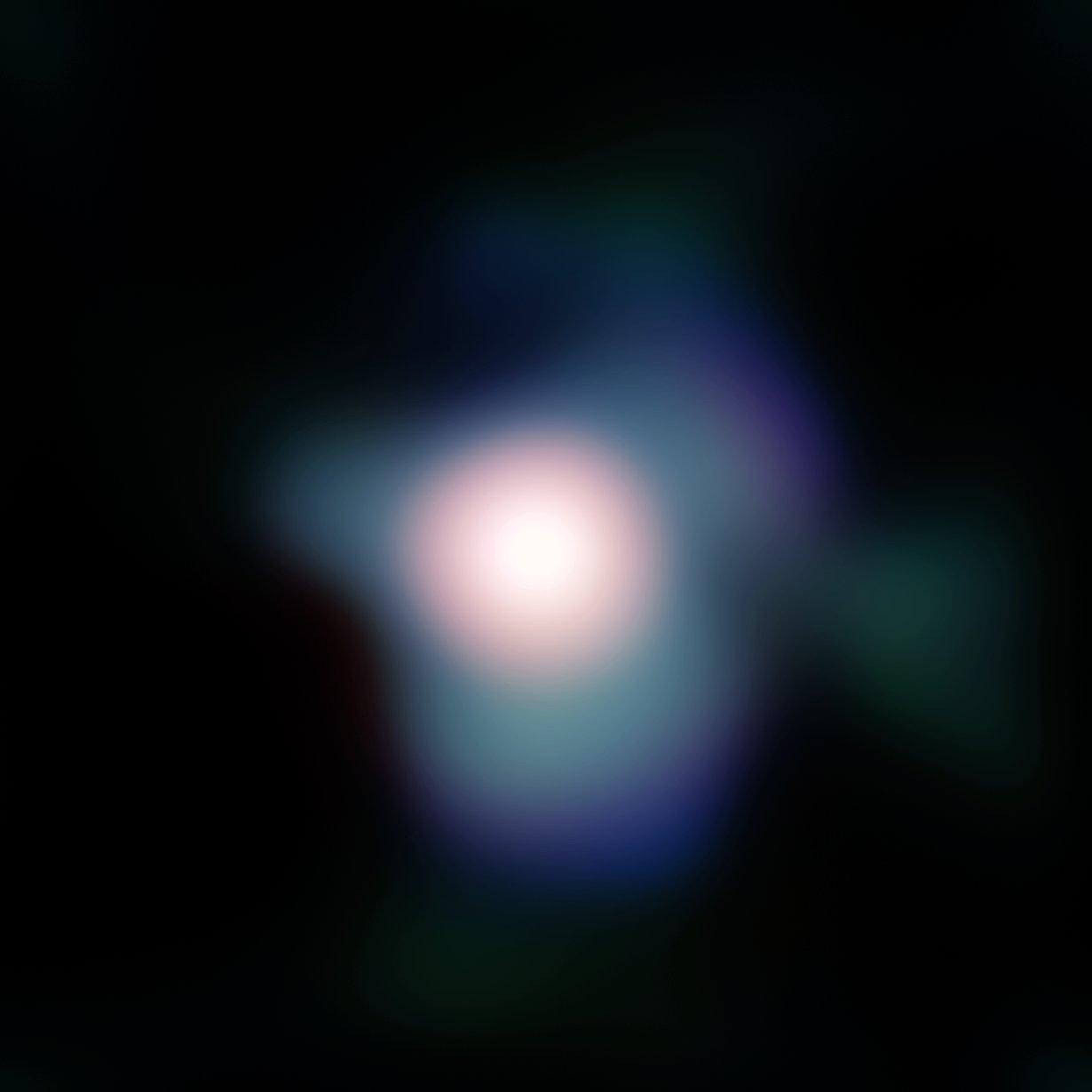 APOD: 2009 August 5 - Betelgeuse Resolved