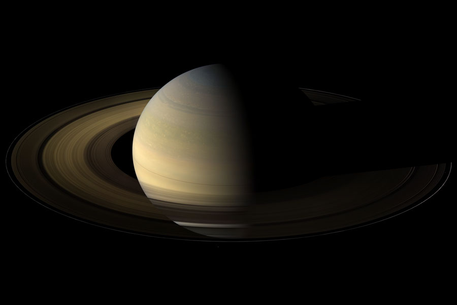 图片说明:春分点的土星,版权:Cassini Imaging Team, ISS, JPL, ESA, NASA