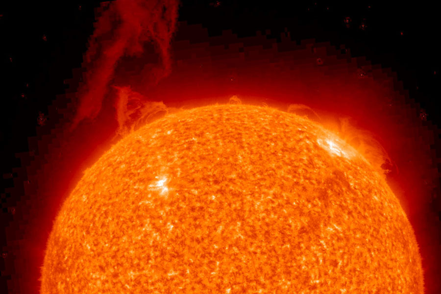 Una prominencia solar estalla en STEREO