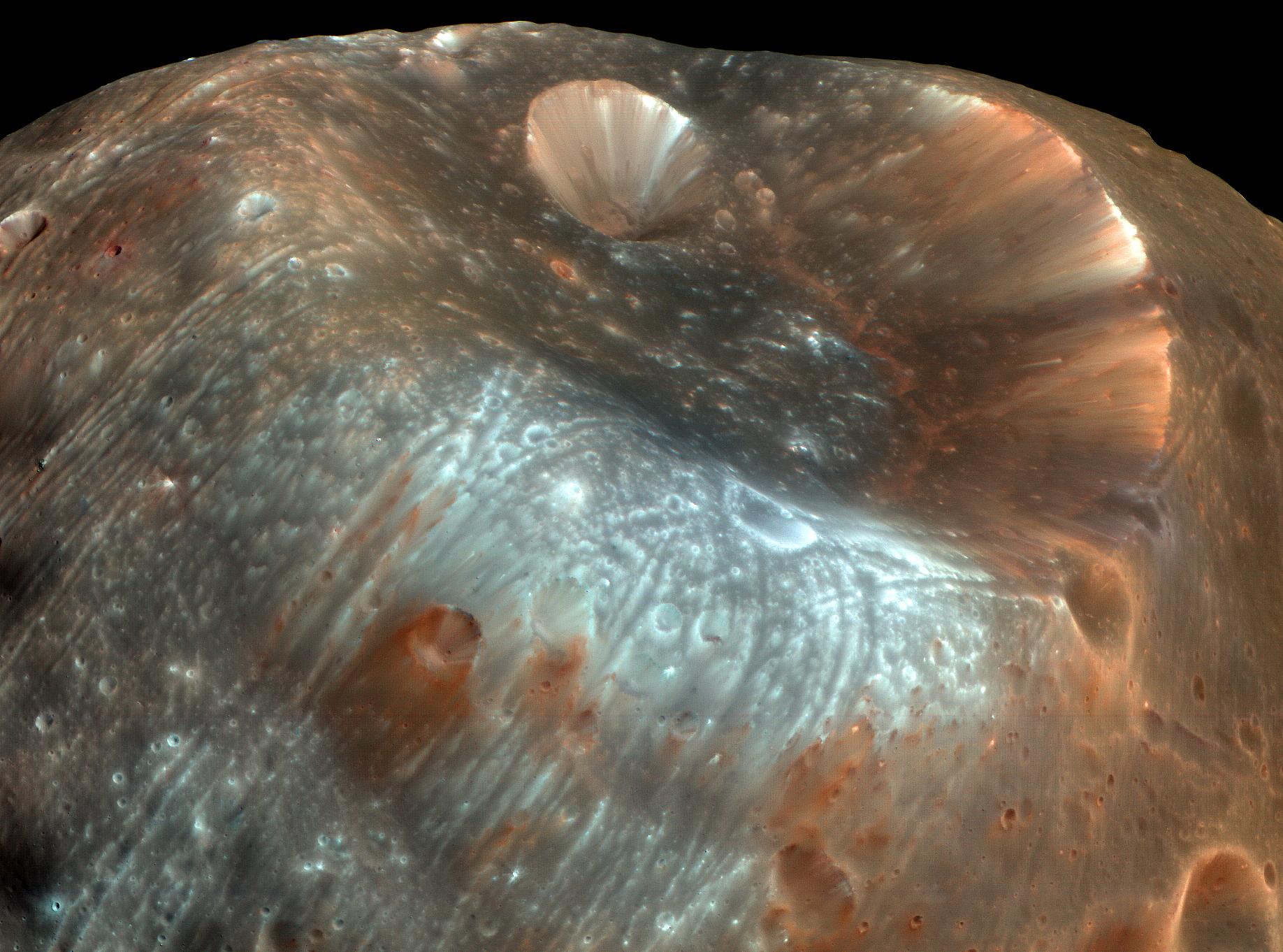 11/07/09: Stickney Crater PSP_007769_9010_IRB_Stickney