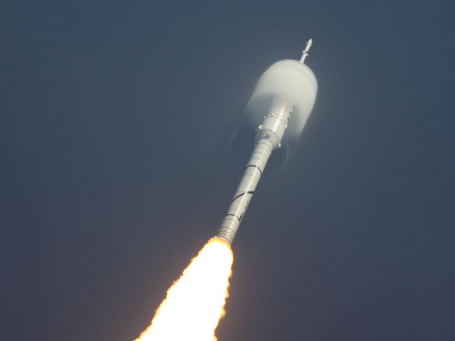 El cohete Ares 1-X despega