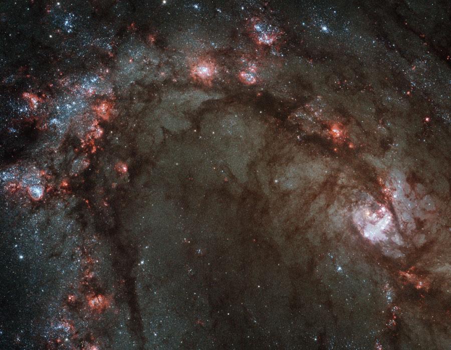 El centro de M83 con el reparado Hubble