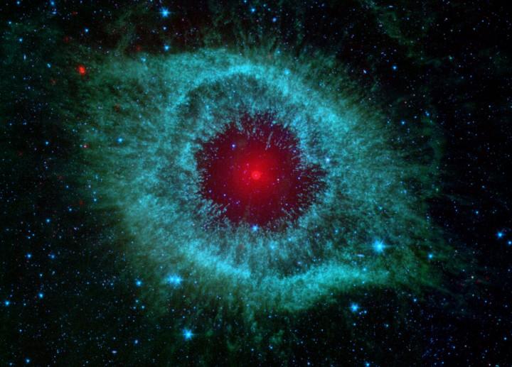 El polvo y la Nebulosa Hélice