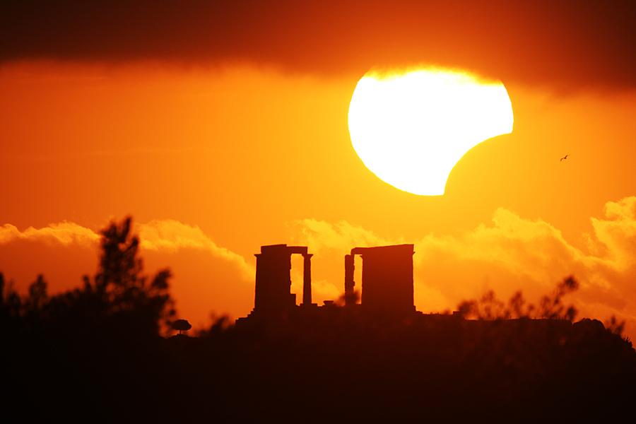 Eclipse sobre el Templo de Poseidón
