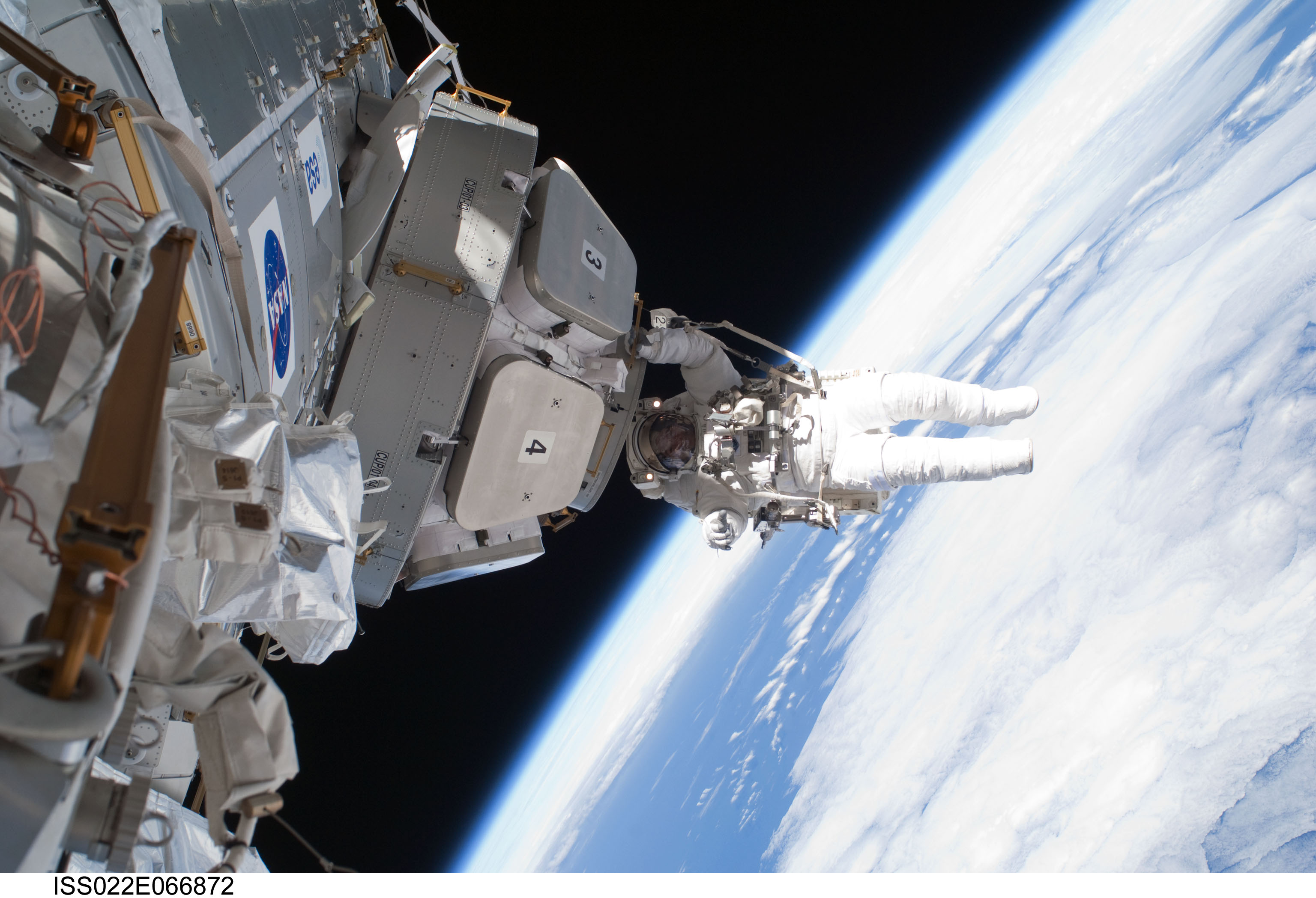 It's Full of Stars — Astronaut Installs Panoramic Space ...