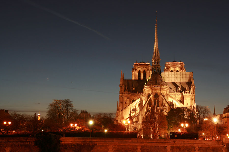 Mercurio y Venus sobre París