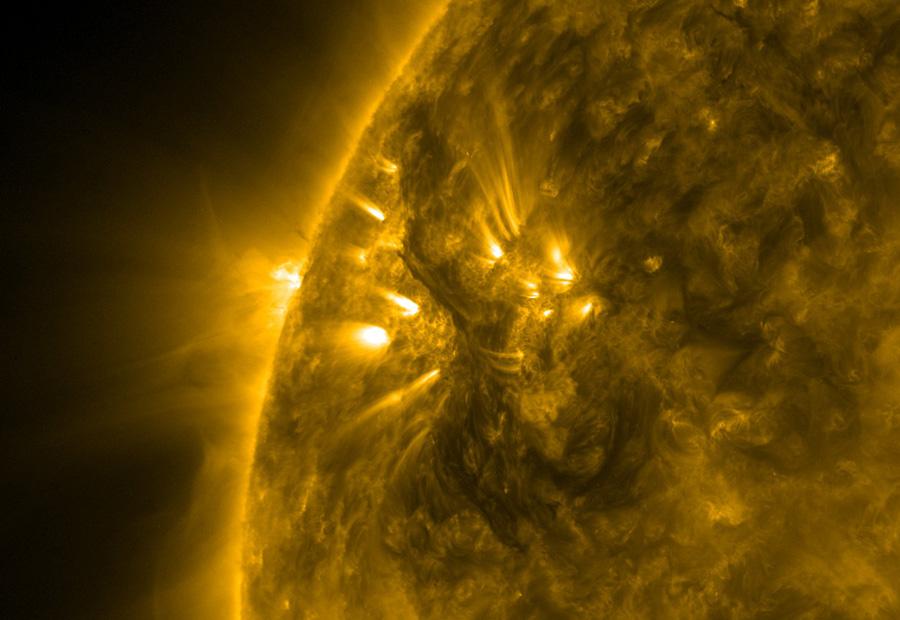 Oscuros Filamentos del Sol