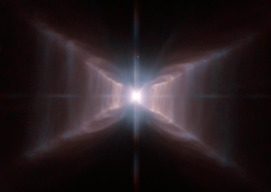 La Nebulosa del Rectángulo Rojo desde el Hubble