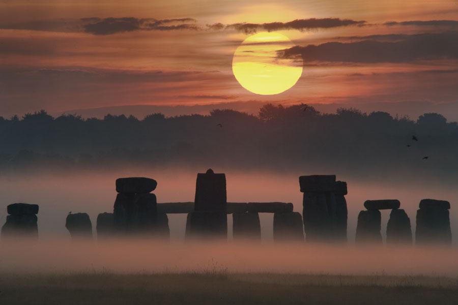 El amanecer del solsticio en Stonehenge