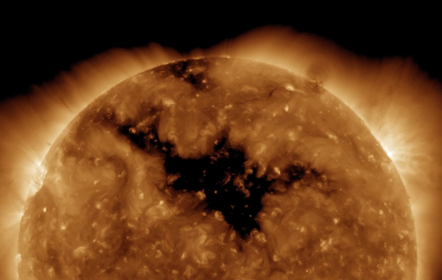 Will your metal detector still work after 2012? CoronalHaug2010_sdo900