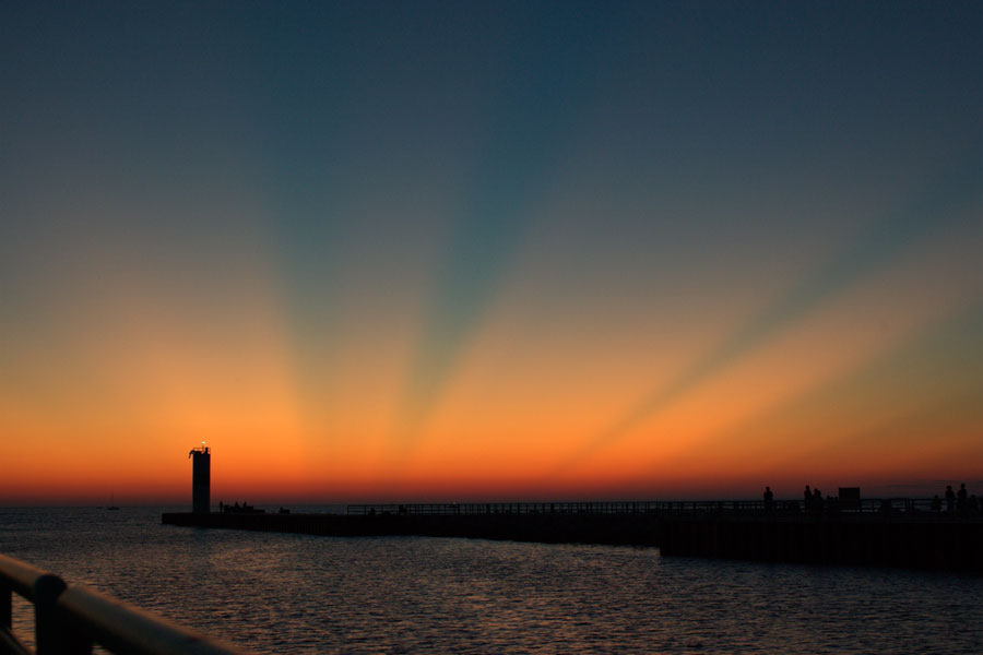 Rayos Crepusculares sobre el Lago Michigan