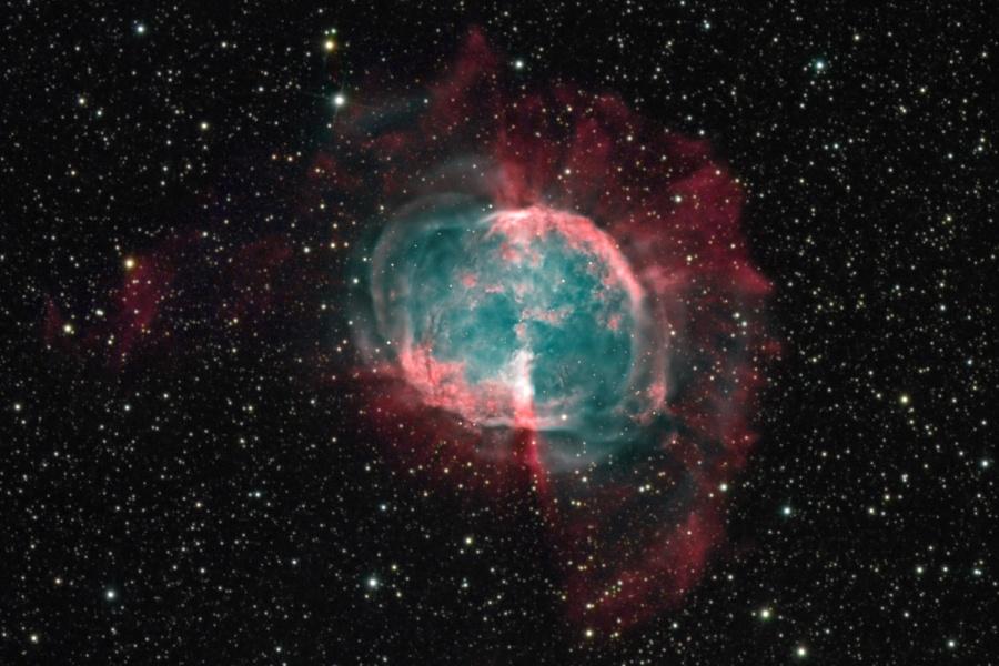 M27: Un no cometa