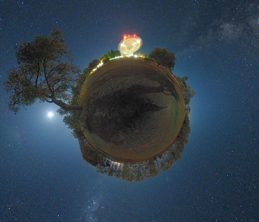 El planeta y el radiotelescopio