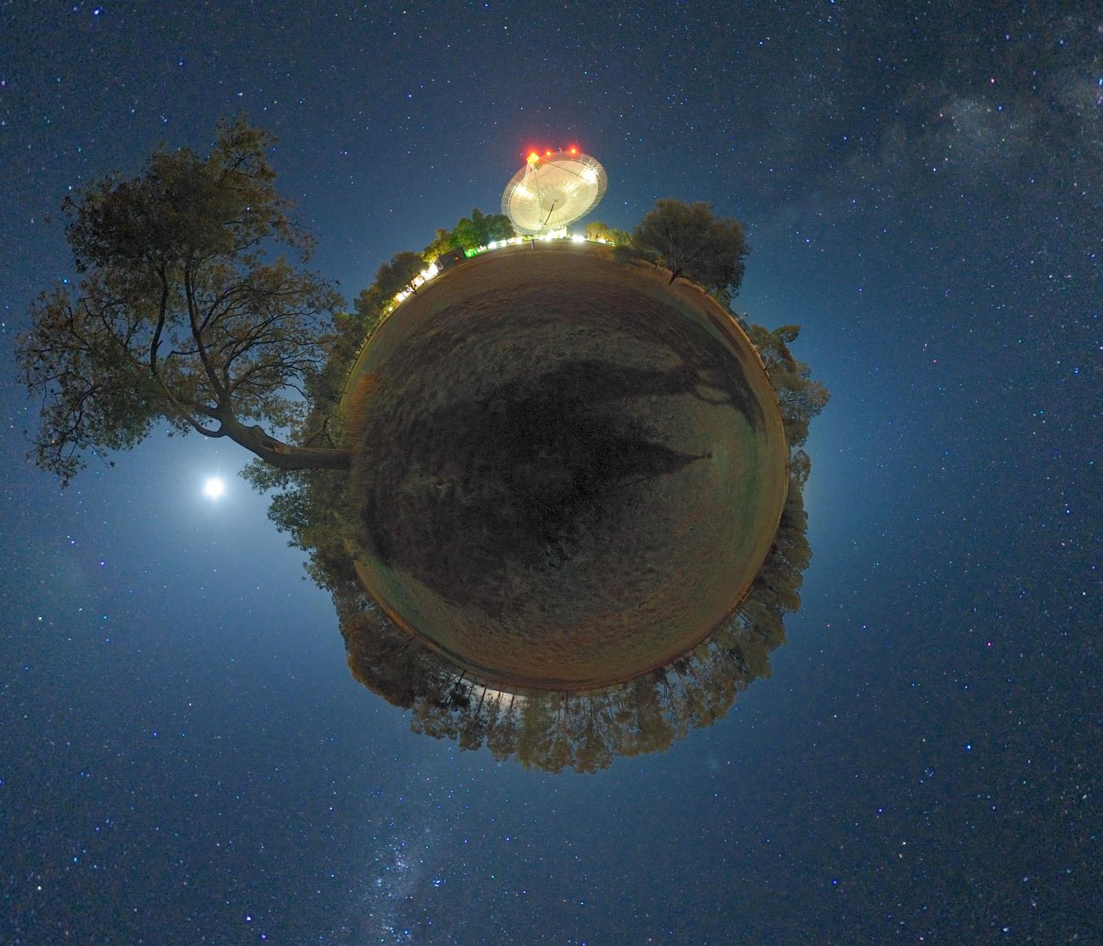[摘译]每日天文一图 - 小王子星(2010年8月3日) - 秋天的麦兜 - 蜗牛壳