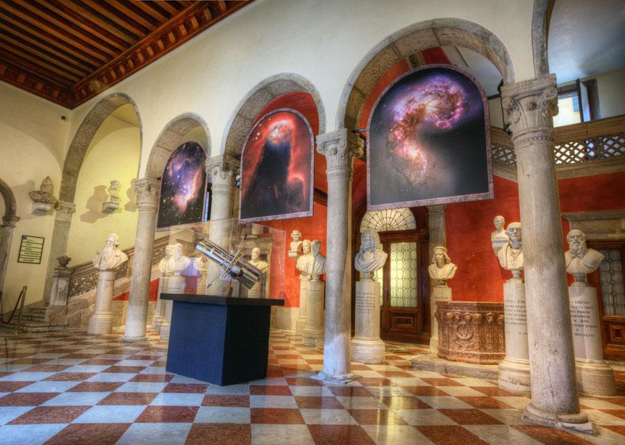 [摘译]每日天文一图 - 哈勃科学博物馆(2010年10月13日) - 秋天的麦兜 - 蜗牛壳