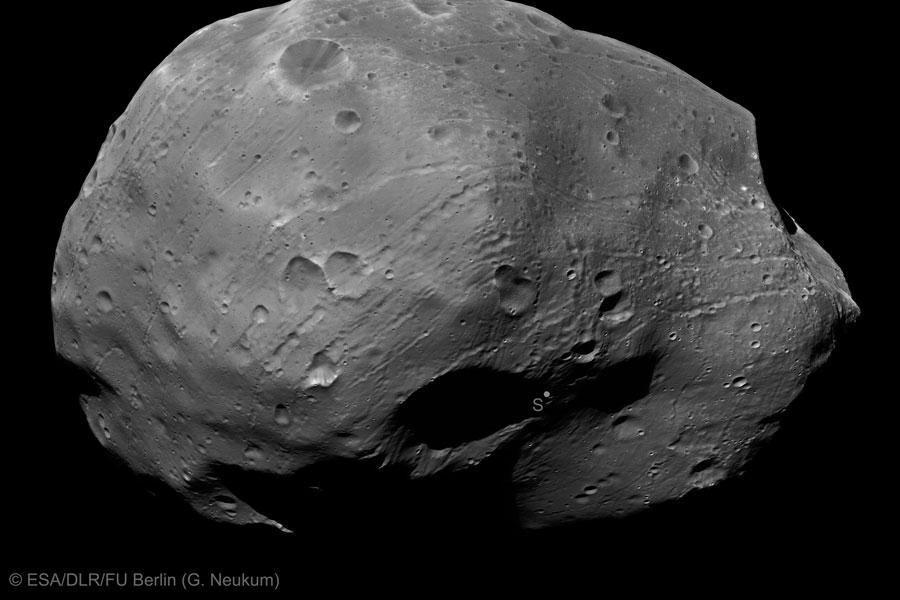Jižní pól Fobosu z Mars Express