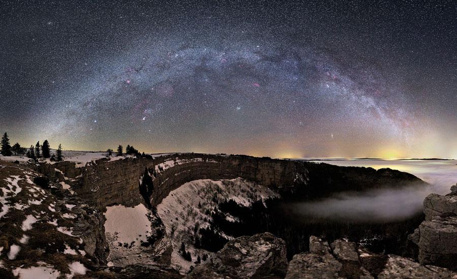 Vía Láctea sobre Suiza