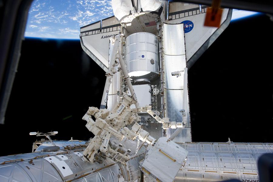 Discovery visita la Estación Espacial