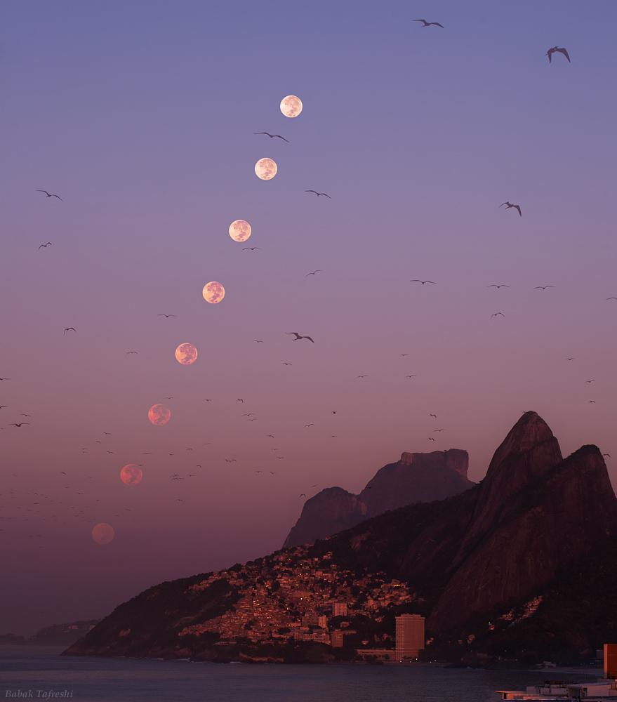 Puesta lunar matutina en Rio