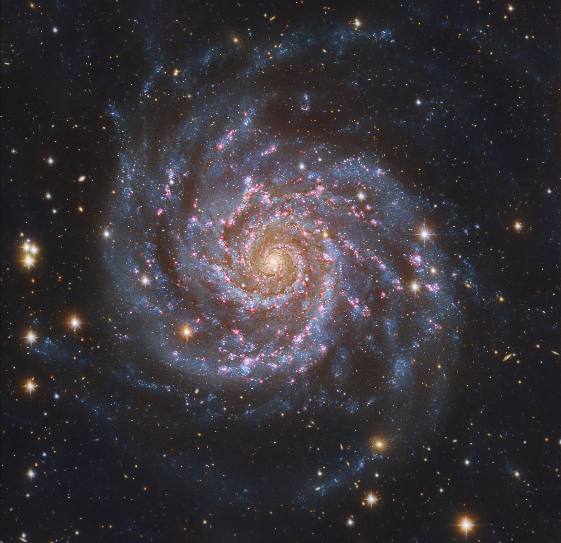 Apod 2011 april 6 m74 the perfect spiral for Immagini galassie hd