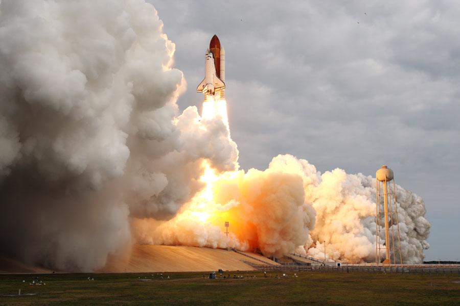 """""""奋进号""""太空船的最后飞航(2011年5月18日)- 每日天文一图摘译 - 秋天的麦兜 - 蜗牛壳"""