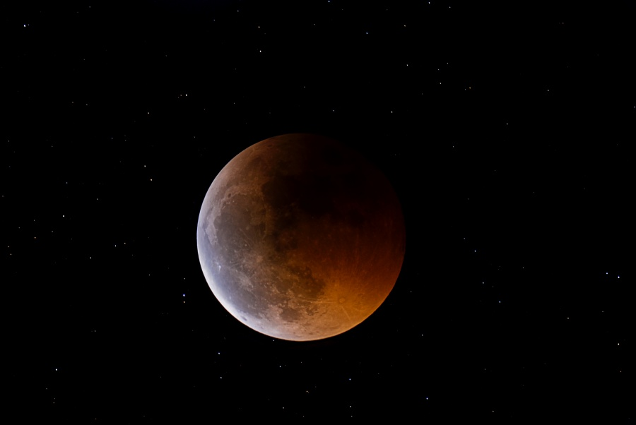 Luz de luna eclipsada