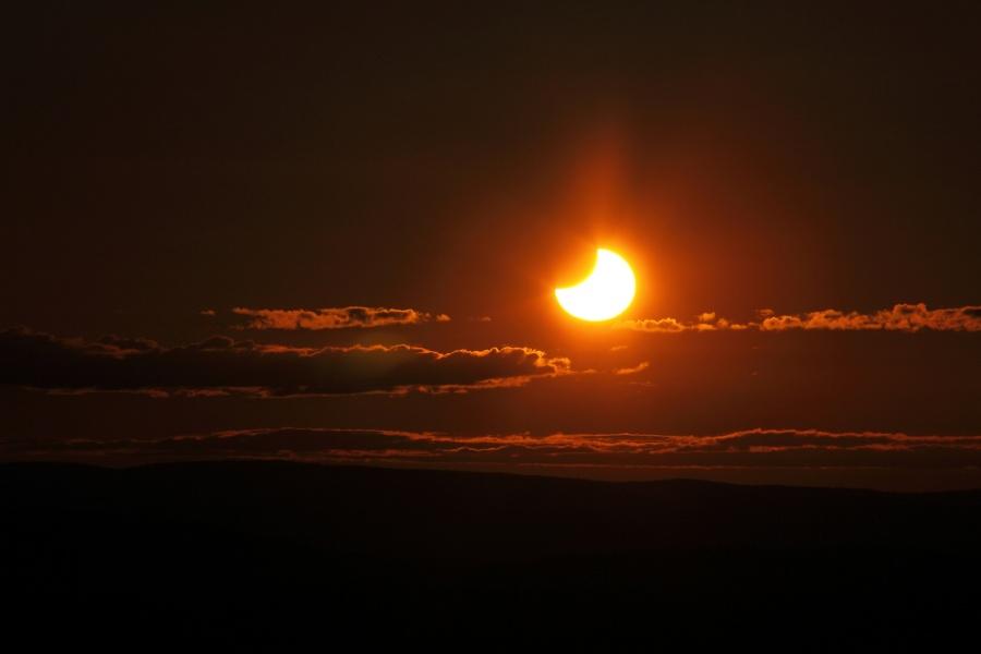 Eclipse Solar de Medianoche