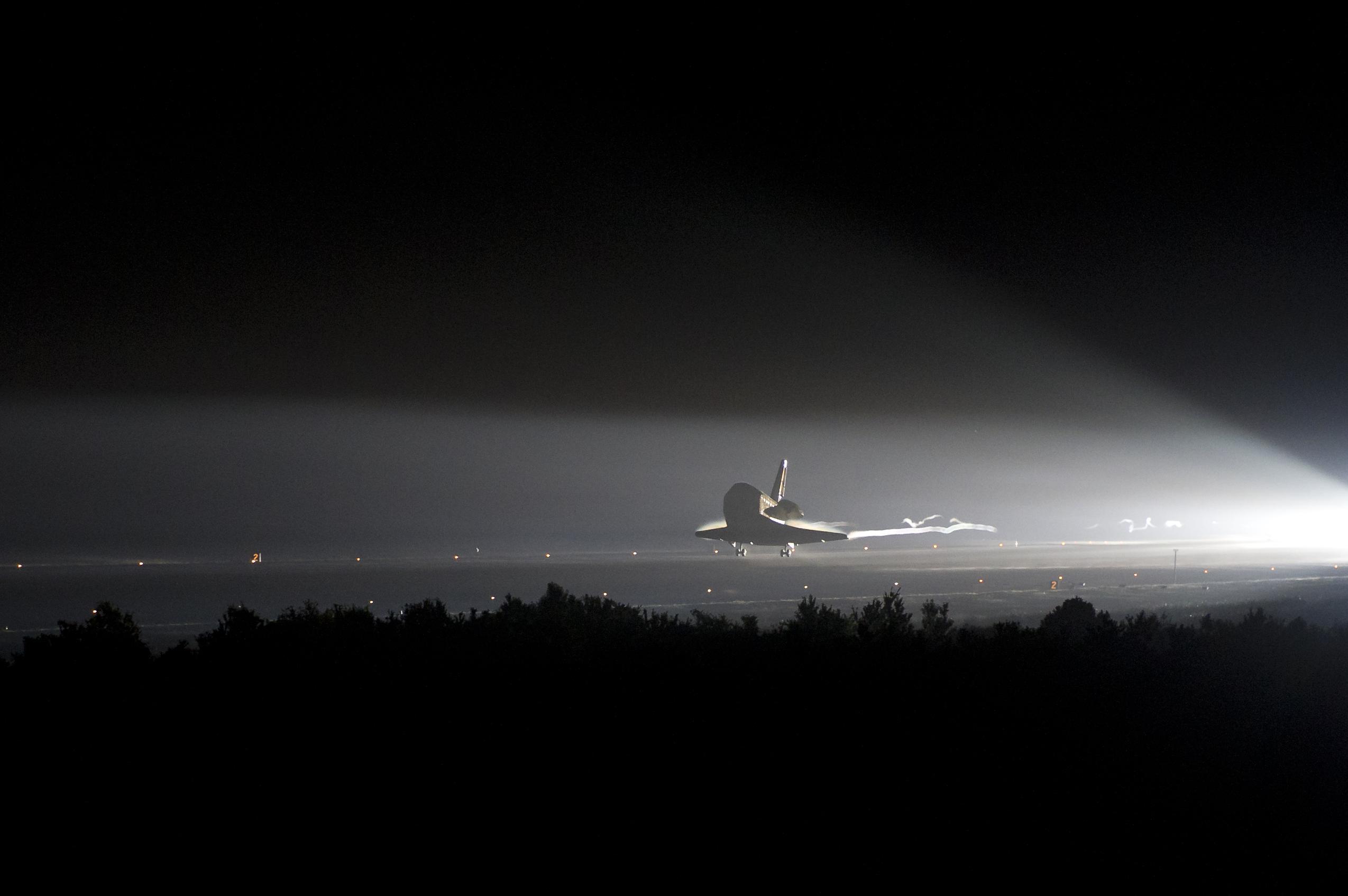 space shuttle landing at night - photo #14