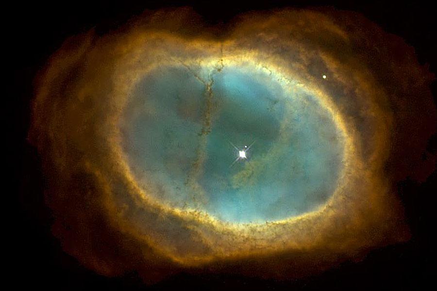NGC 3132: La Nebulosa del Anillo del Sur