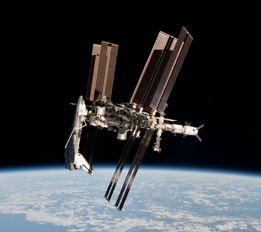 El Transbordador y la Estación Espacial fotografiados juntos