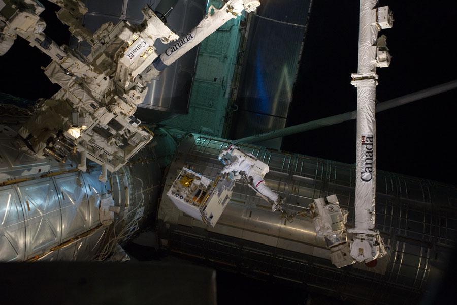 Un ajetreado paseo espacial