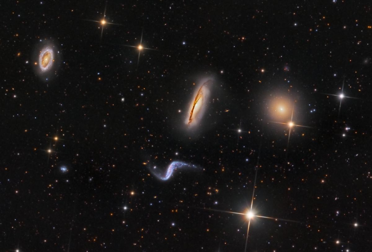 Resultado de imagen de El trío de galaxias Hickson 90