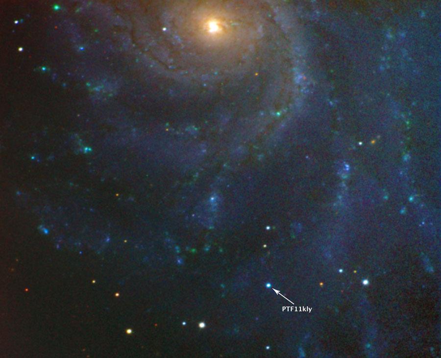 Un joven supernova en la cercana Galaxia Remolino