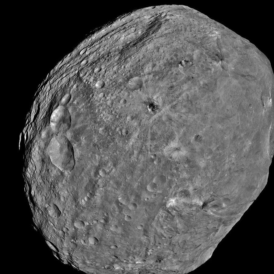Vista completa del asteroide Vesta