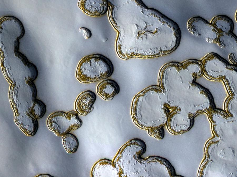 Fosas de hielo seco en Marte